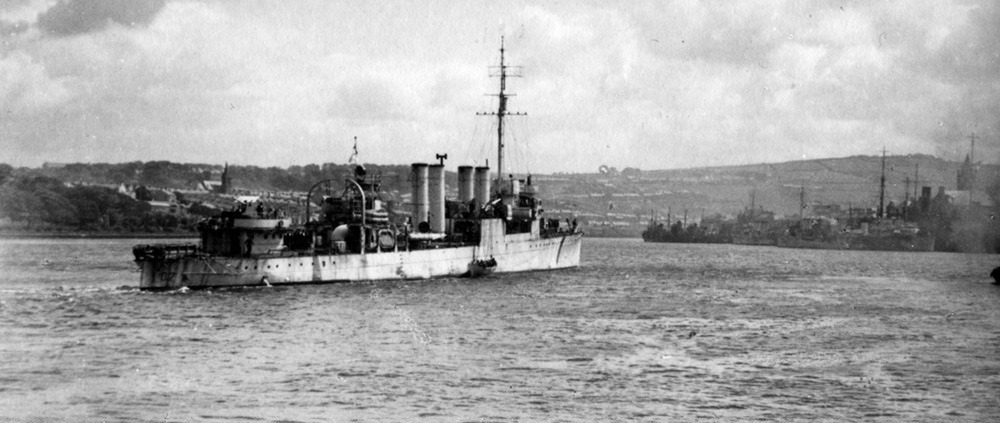 HMS Beverley at Londonderry