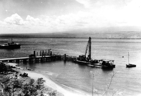 Building a jetty at Gili Manuk, East Balli, for the corvettes of the Dutch Navy