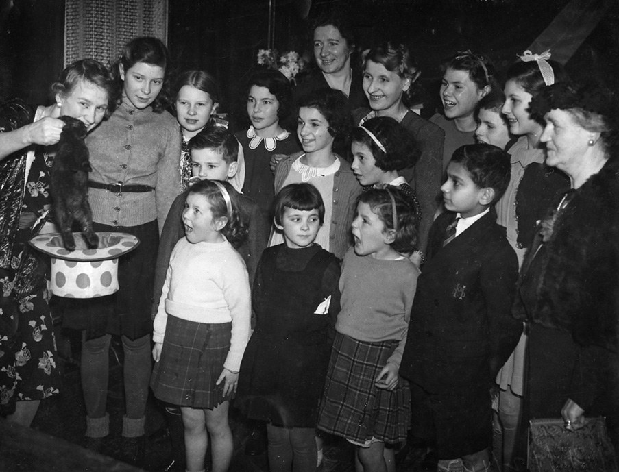 Christmas Part for children of the Uniuted Nations at Glasgow, 19 Dec 1942